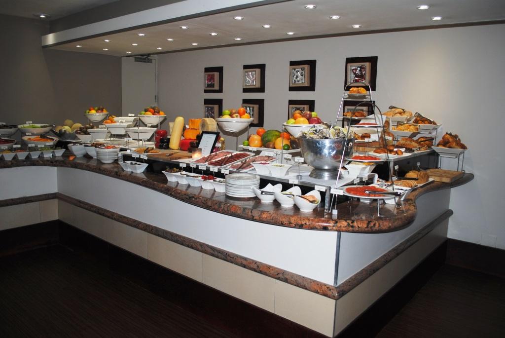 Capetown-breakfast-buffet